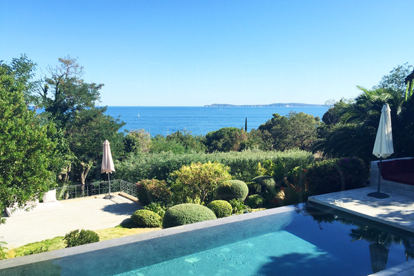 villa in rayol canadel with sea view ; house with 4 bedrooms, 300m from the beach , var , cote d'azur