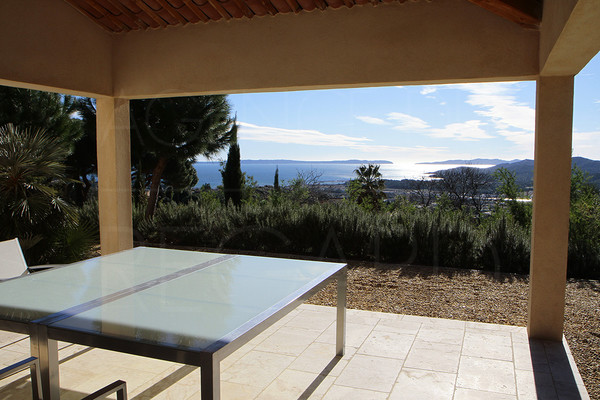 Villa for sale Bormes-Les-Mimosas facing the sea, seaview, close to the village