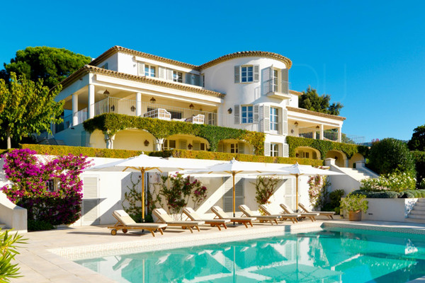 Luxury property facing the sea , Rayol canadel , pool  guest house and guardian's appartment , near Saint Tropez