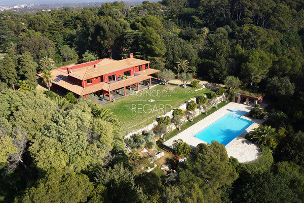 waterfront property for sale, private access to the sea, Var, between Hyères and Toulon, Le Pradet, 2 swimming pools
