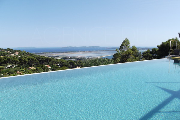 contemporary house in Hyères , pool and panoramic sea view , Giens , Porquerolles , private domain , 4 bedrooms