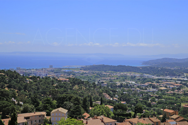 house to sale / bormes les mimosas / var / cote d'azur / seaview / 3 bedrooms / village house