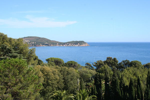 property for sale / var / cote d'azur / elegance mansion / 300 m from the sea and san peyre / 7 bedrooms