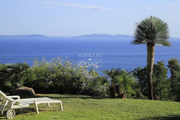 property for sale / var / cote d'azur / rayol canadel / 6 bedrooms / panoramic sea view from the cap lardier to the island of le levant / south
