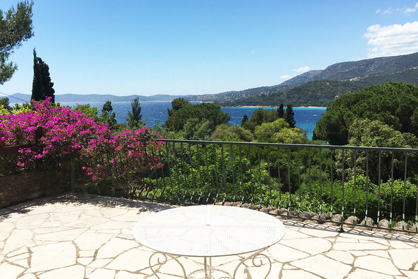 property for sale / cap nègre / var / private en gated estate / 6 bedrooms / sea view / 5 mn from the beach
